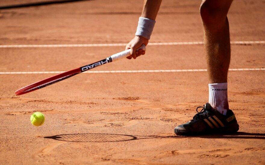 Teniso sąjunga kreipėsi į ministeriją: prašo paaiškinti, ar karantino metu galima žaisti tenisą