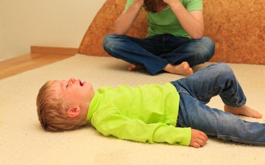 Kritiškos auklėjimo klaidos, paverčiančios vaikus namų tironais