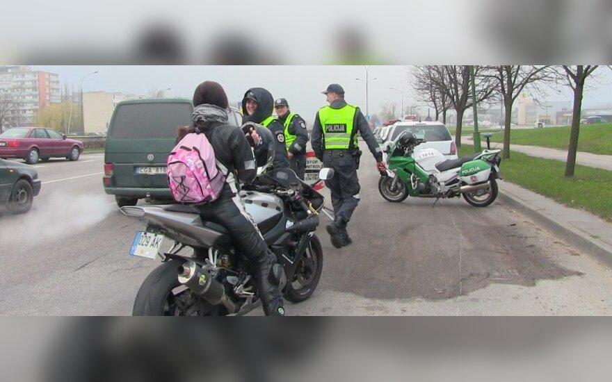 Pajūryje sezoną atidarė kelių policijos motociklininkai