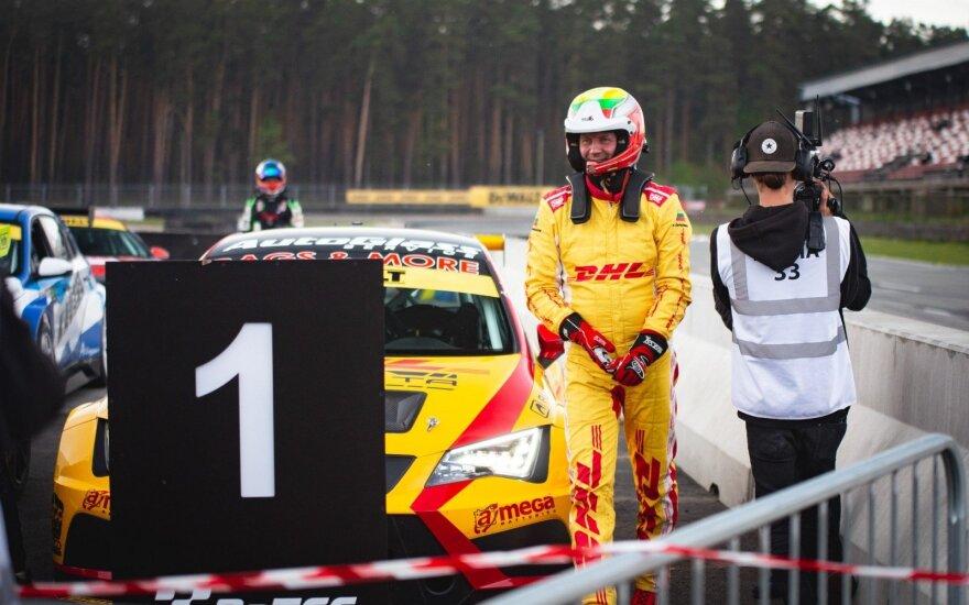 Pirmosiose Baltijos šalių TCR čempionato lenktynėse Ramūnas Čapkauskas buvo nepavejamas