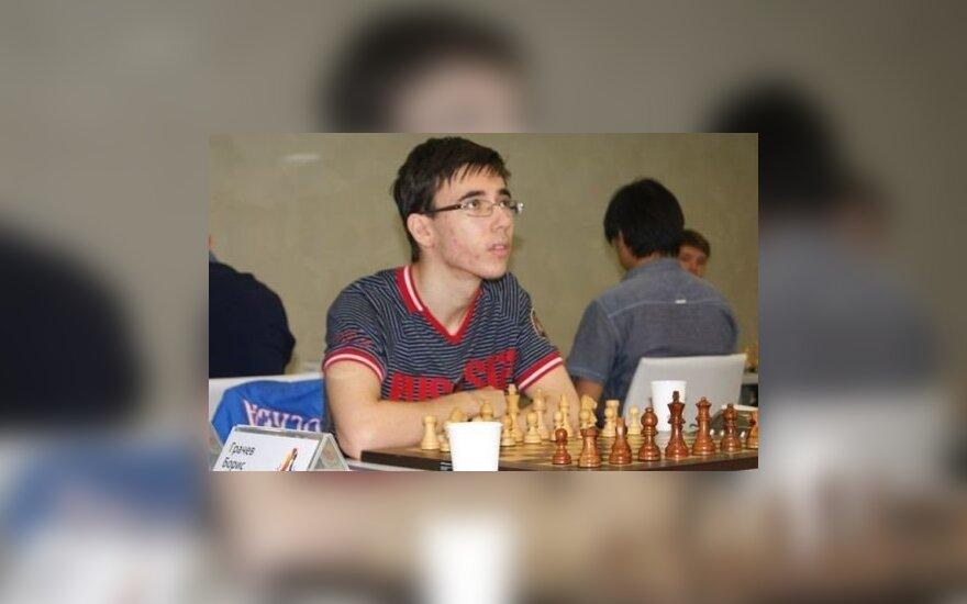 Jurijus Jelisejevas