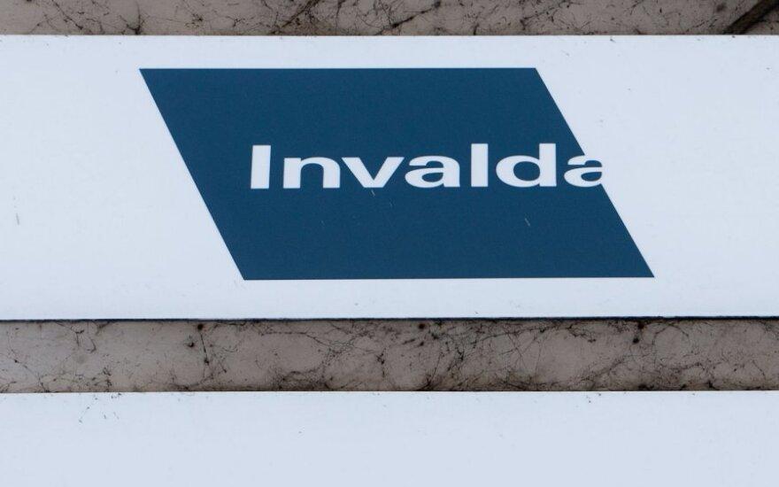 """""""Invalda INVL"""" supirks dalį savo akcijų"""