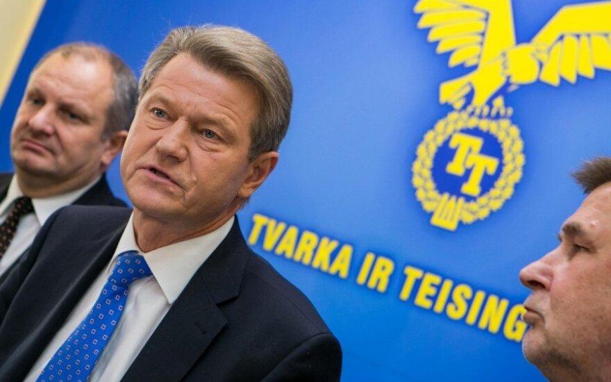 """""""Tvarkiečių"""" byla: ko ieškojo STT ir kodėl atsistatydino D. Barakauskas"""