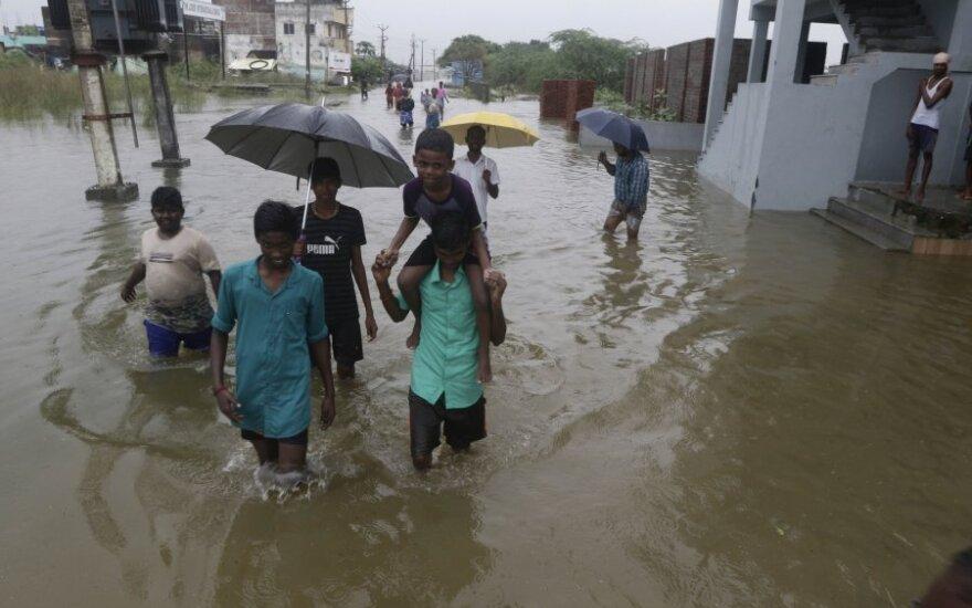 Pietų Indijoje per musonų sezono potvynius žuvo mažiausiai 25 žmonės