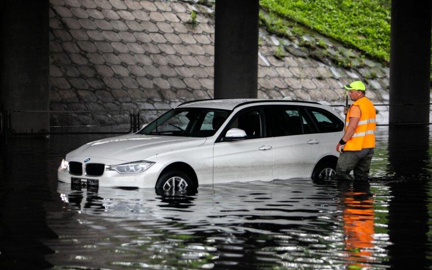 Planuojantiems atostogas Lietuvoje koją gali pakišti orai: ko jau ko, bet liūčių tikrai neišvengsime