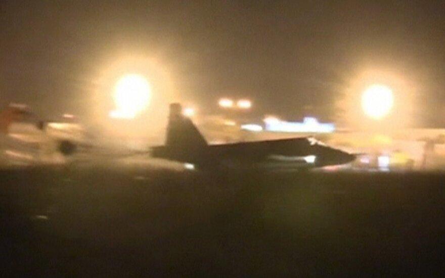 JAV: rusų bombos pataiko į visus, išskyrus IS