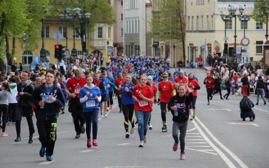 Vėžiu sergantiems žmonėms viltį pasveikti nešė per 4 tūkst. bėgikų