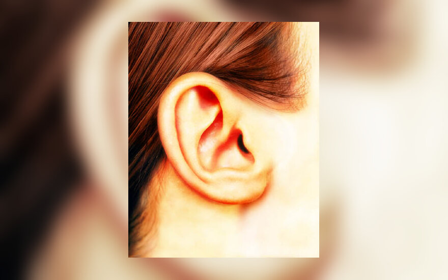 ausis, klausyti, garsas