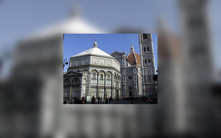 Florencija. Kampanilė ir katedra Duomo aikštėje