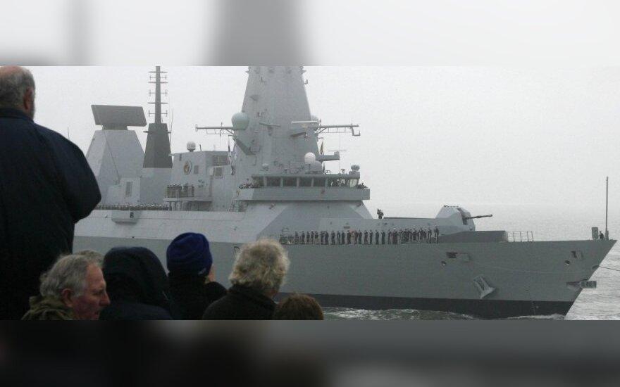 """Britų karo laivas """"HMS Daring"""""""