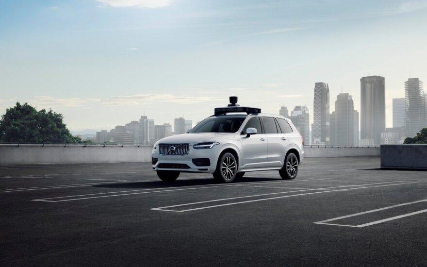 """""""Volvo Cars"""" ir """"Uber"""" suvienijo jėgas bendram tikslui"""