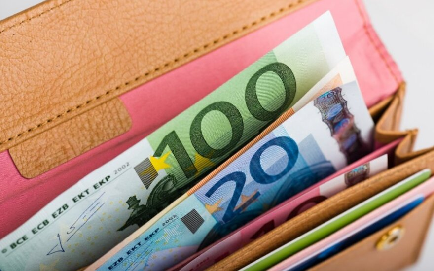 Ten times fewer millionaires in Lithuania after euro adoption