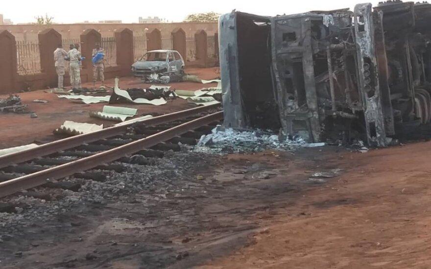 Nigeryje sprogus benzinvežiui žuvo 55 žmonės