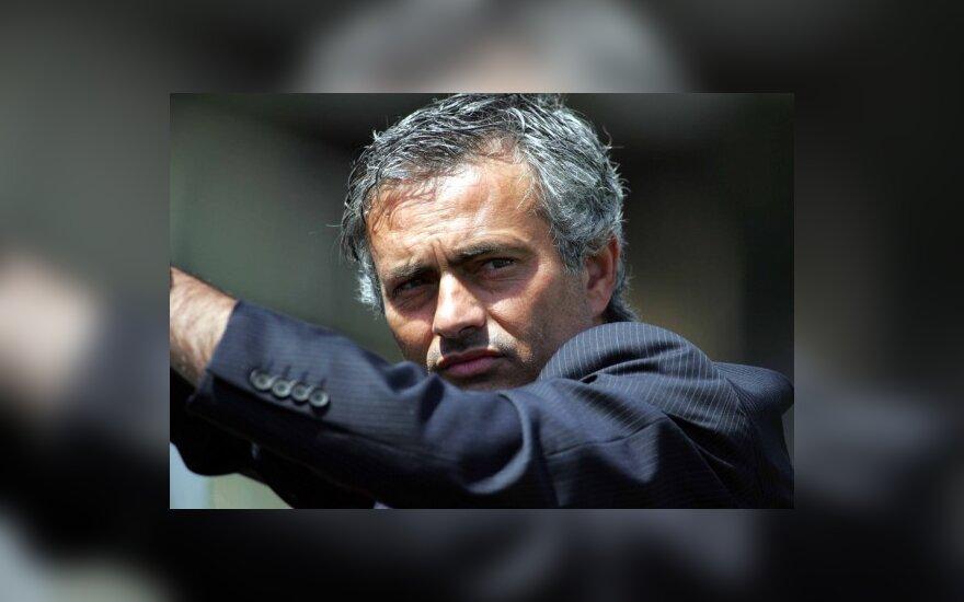"J.Mourinho pratęsė sutartį su Milano ""Inter"""