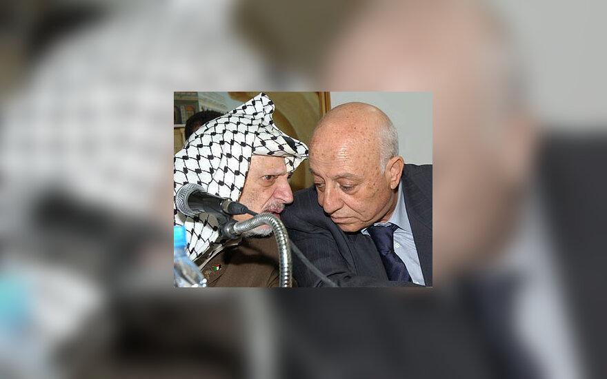 Yasseras  Arafatas ir Ahmedas Qorei