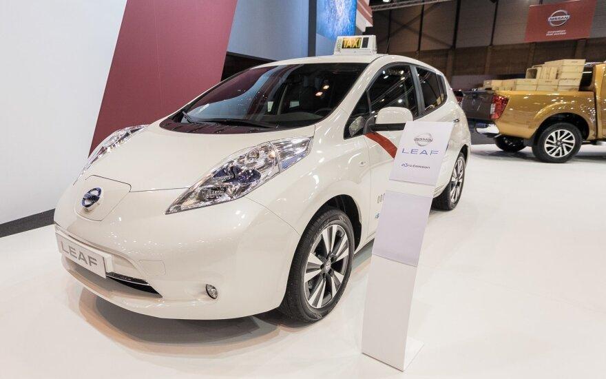Taksi parką papildė įspūdingu kiekiu elektromobilių