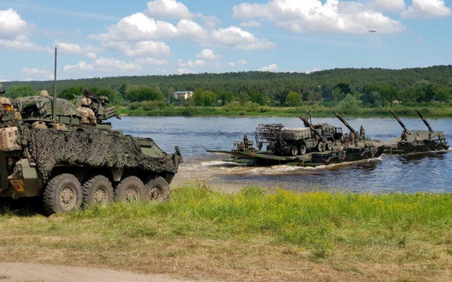 NATO gerins gebėjimą atsiųsti karius, bet papildomų dalinių Baltijos šalyse neplanuoja