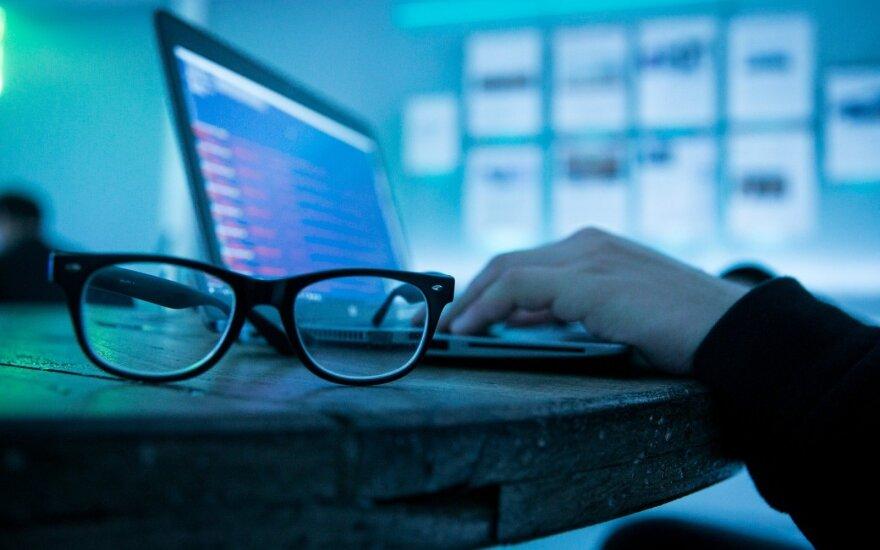 Lenkijos institucijos tapo gausių kibernetinių atakų taikiniais