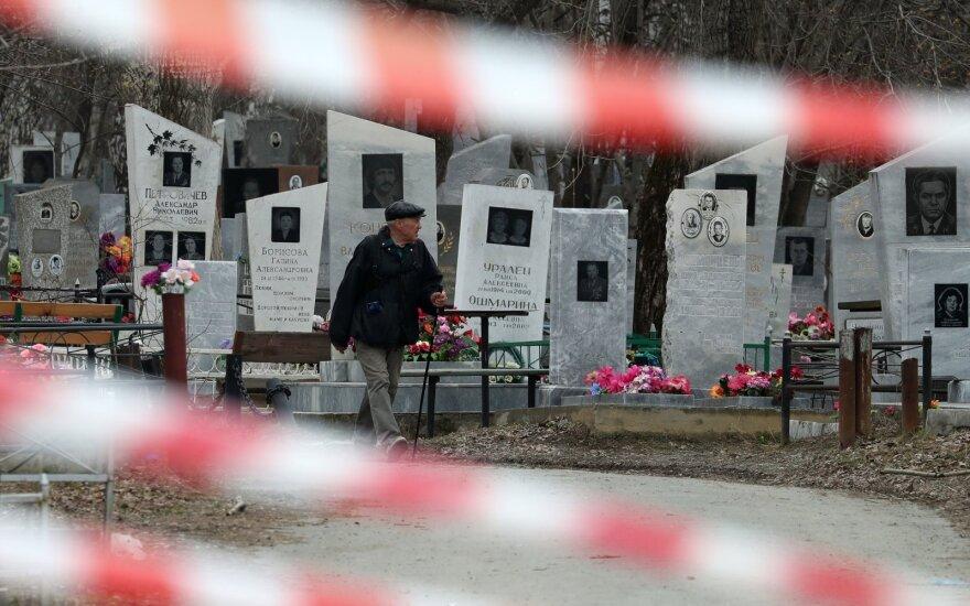 Rusija sparčiai kopia į liūdnąjį 100 tūkst. užsikrėtusiųjų klubą