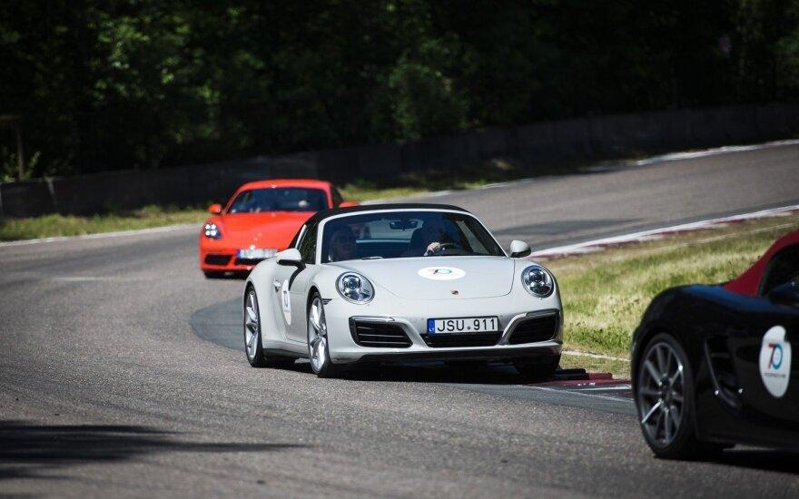 """70-asis """"Porsche"""" jubiliejus pažymėtas lenktynių trasoje"""