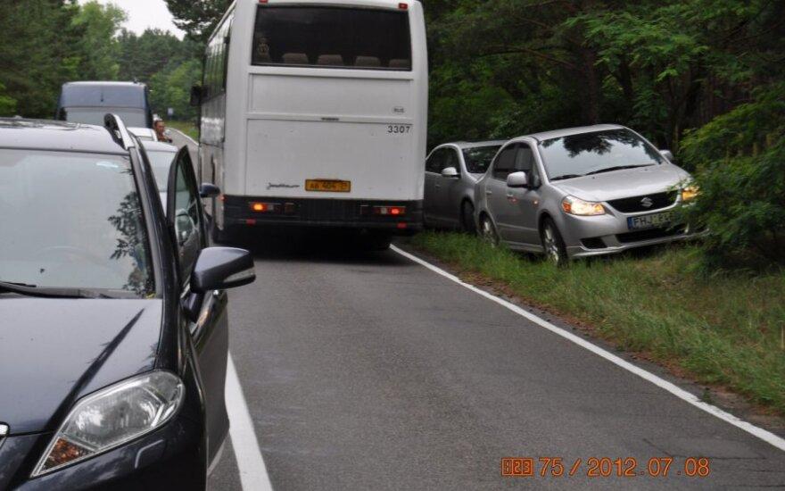 Neringoje pažeidinejamos kelių eismo taisyklės