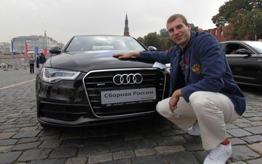 Bronzos medalio olimpiadoje laimėtojas krepšininkas Sergejus Monia 2012 m. dovanų gavo automobilį Audi
