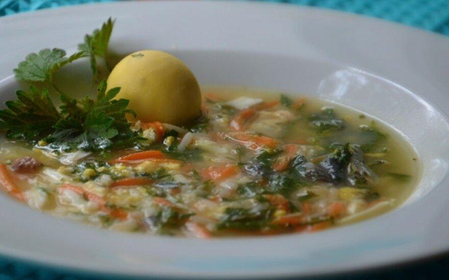 Gardi ir vitamininga dilgėlių sriuba