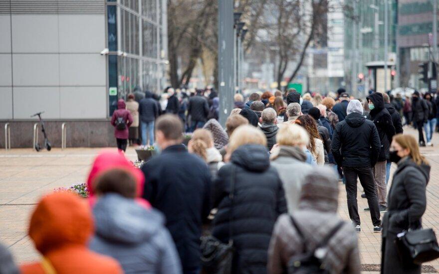 Palygino koronaviruso bangas Lietuvoje: trečioji banga šalį paveikė nevienodai