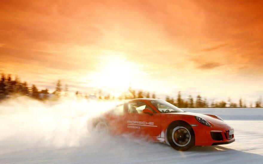 """""""Porsche"""" siūlo įsigyti ne tik automobilius"""