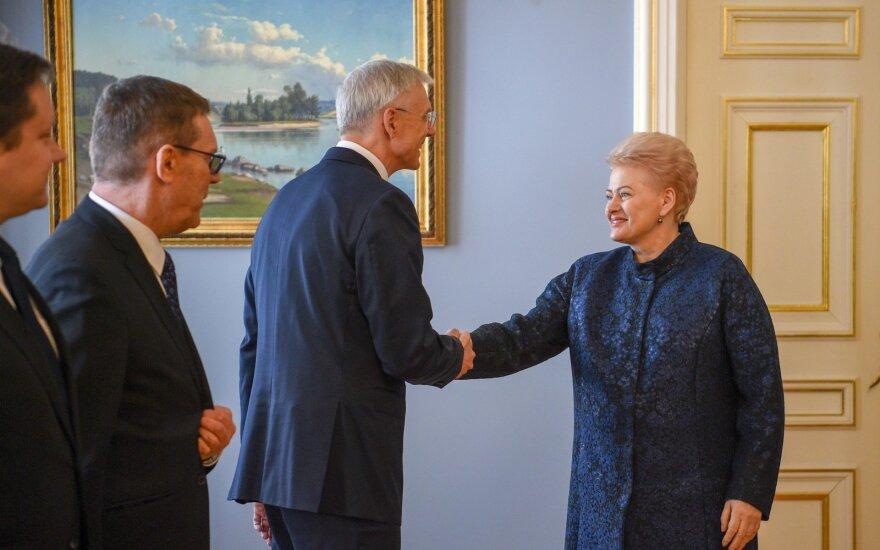 Grybauskaitė paragino Latvijos premjerą: reikia kaip galima greičiau išbandyti gebėjimą veikti izoliuotu režimu