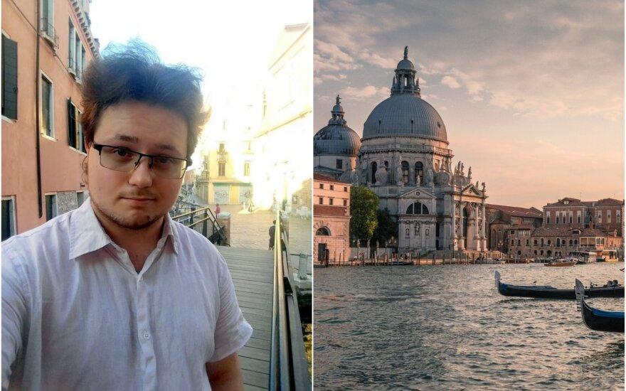 Garsiojoje bienalėje praktiką atliekantį studentą pakerėjo ir unikalus lietuvių kūrinys, ir nenuspėjama Venecija