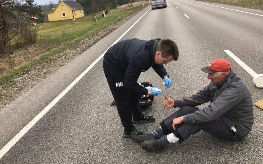 """""""Dragūno"""" komanda padėjo partrenktam dviratininkui (komandos nuotr.)"""