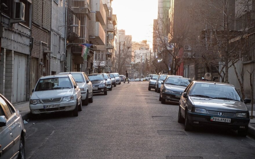 Irane pirmąkart per mėnesį COVID-19 paros aukų buvo mažiau kaip 100