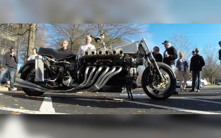 Motociklas su V12 varikliu