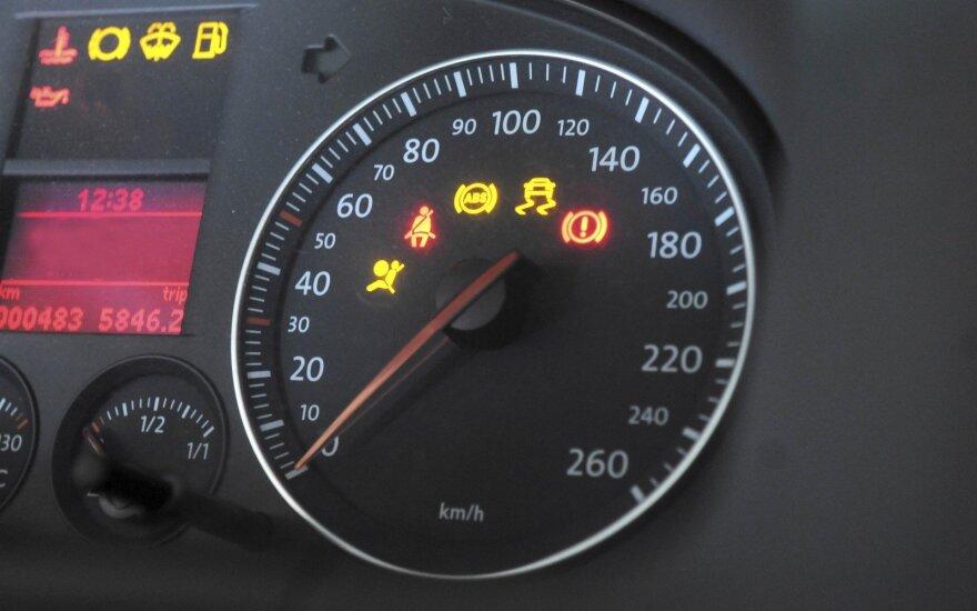 Automobilio perspėjimas, kurio nepaisymas virsta tūkstančiais eurų nuostolių