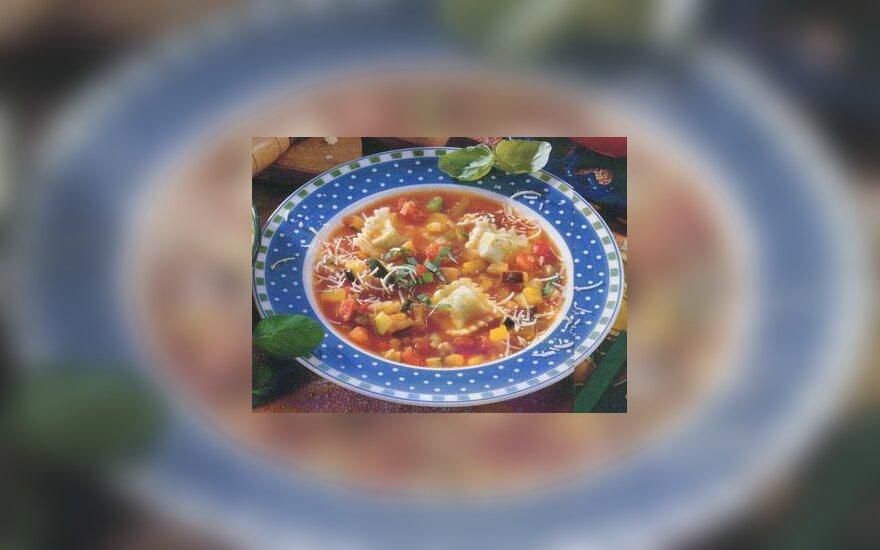 Pomidorų sriuba su koldūnais