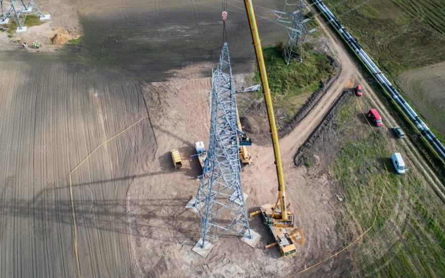 Spalį elektra Lietuvoje pigo 5 proc.