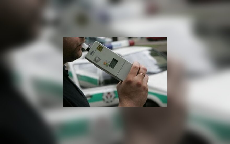 Savaitgalį pareigūnai tikrins vairuotojų blaivumą