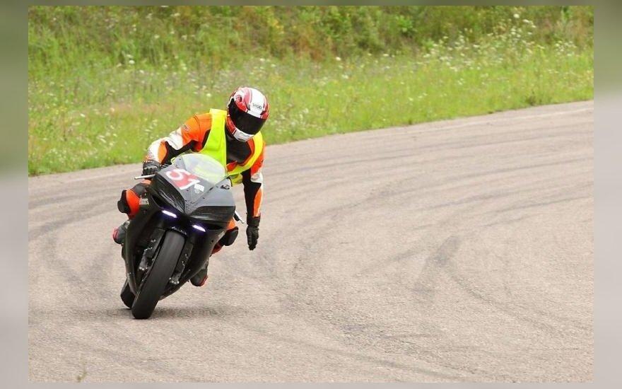 Motociklininkai vairavimo įgūdžius galės pasitikrinti lenktynių trasoje