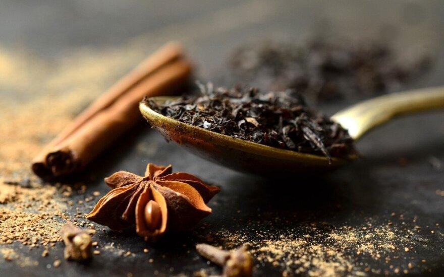 Labai naudinga organizmui 5 prieskonių arbata