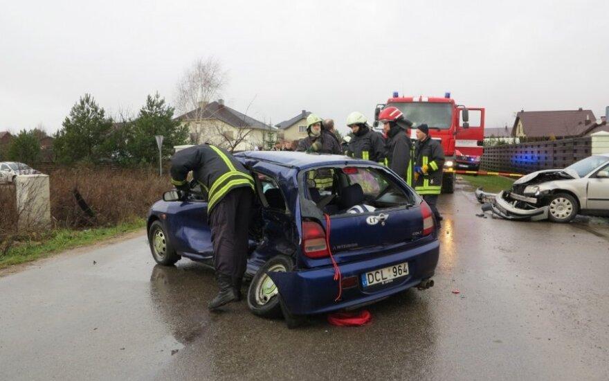 Klaipėdos r. moteris sukėlė trijų automobilių avariją, sužalotas vyriškis