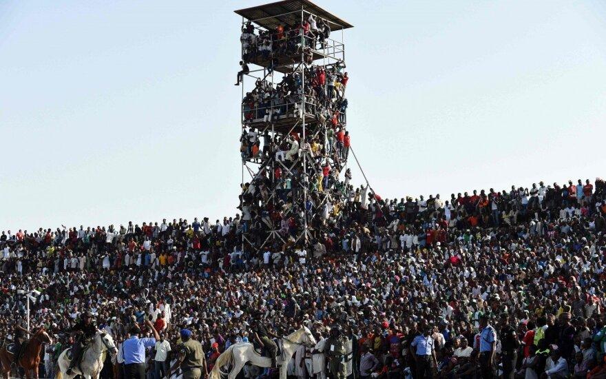 Žmonės stadione