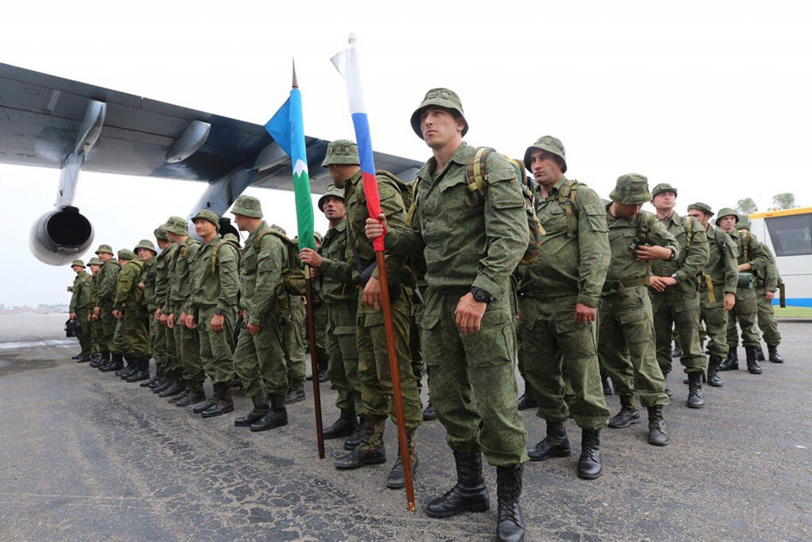 Руководство РФодобрило законодательный проект ослужбе по договору сроком до1 года