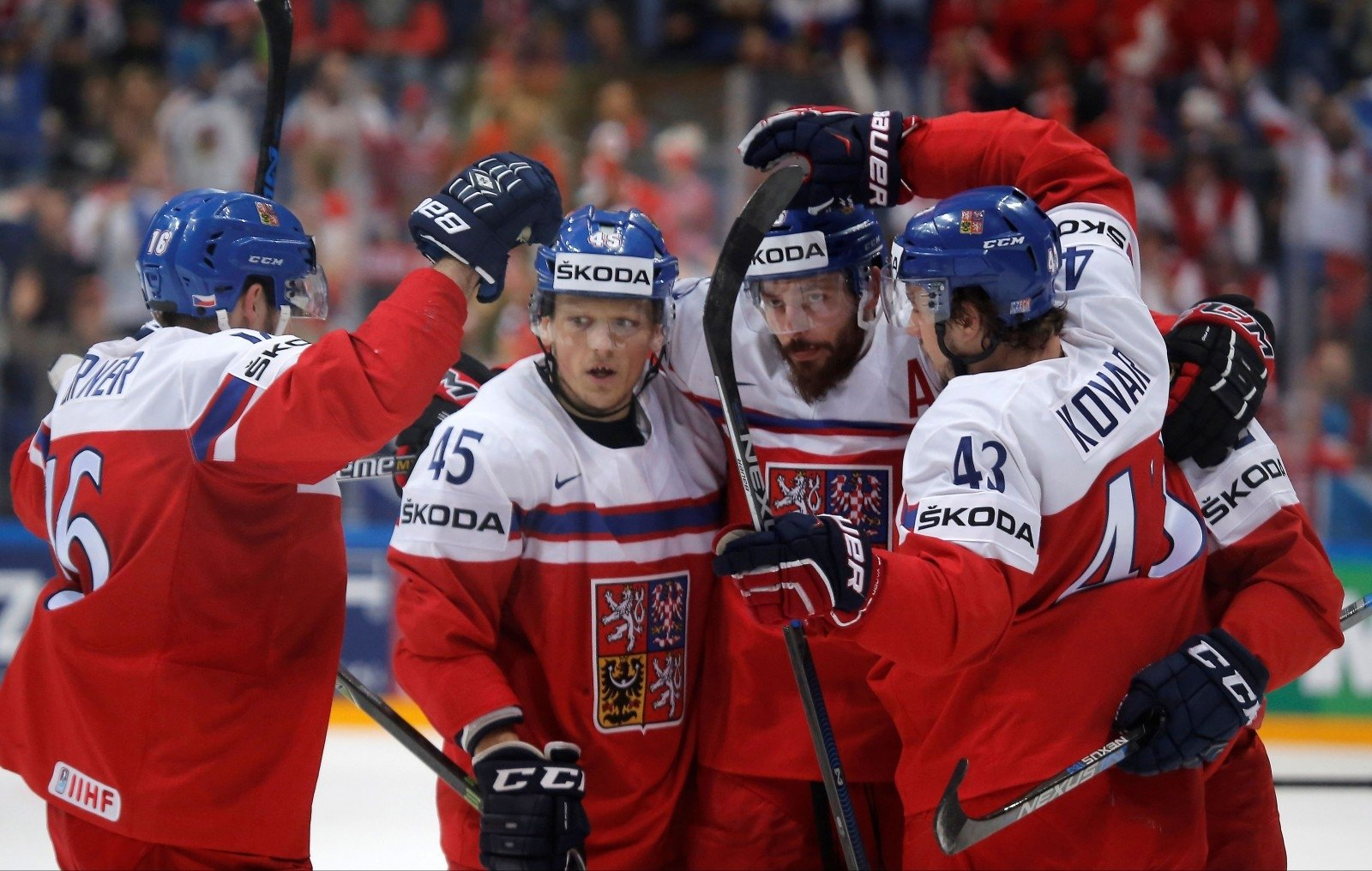 своих фото игроков сборной чехии по хоккею квадратный метр