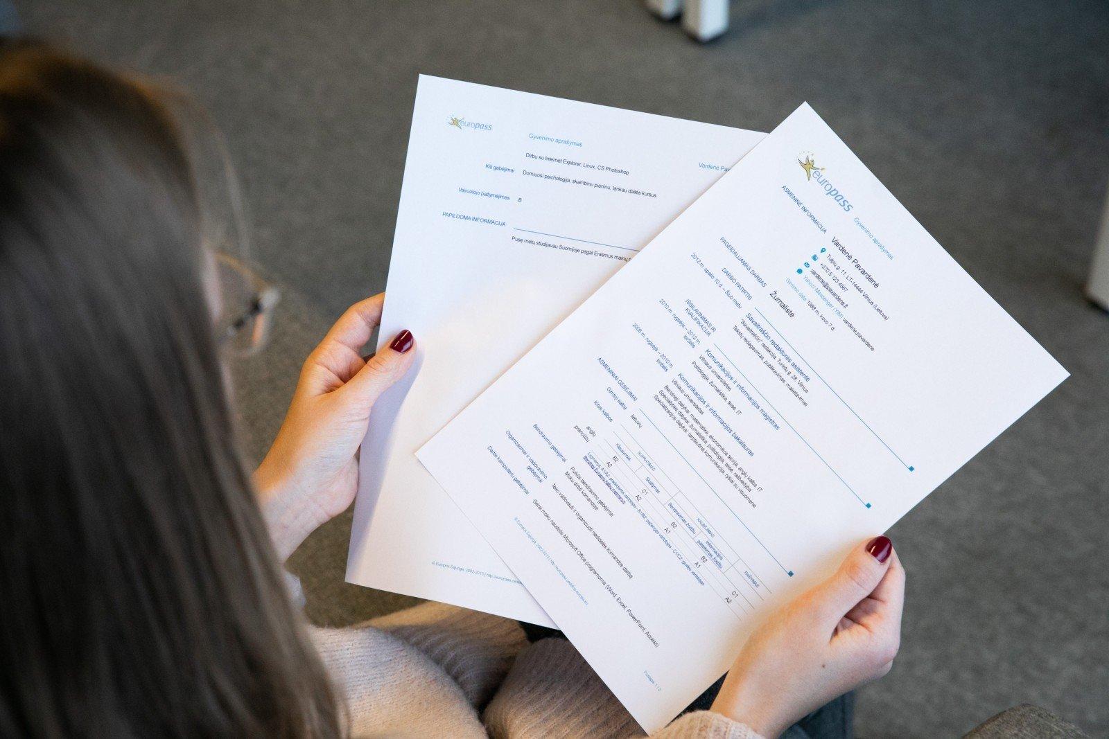 įmonių siūlančių namų darbus sąrašas