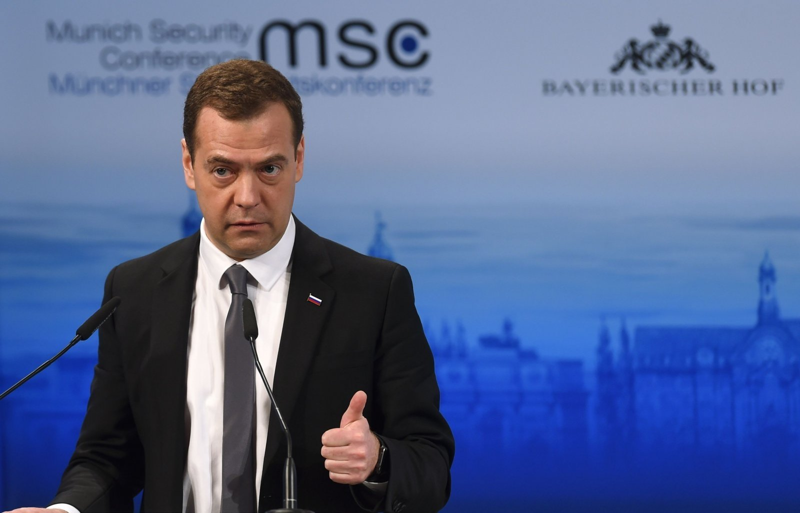 Разрушение Шенгена из-за мигрантов может повлечь распад ЕС— Медведев
