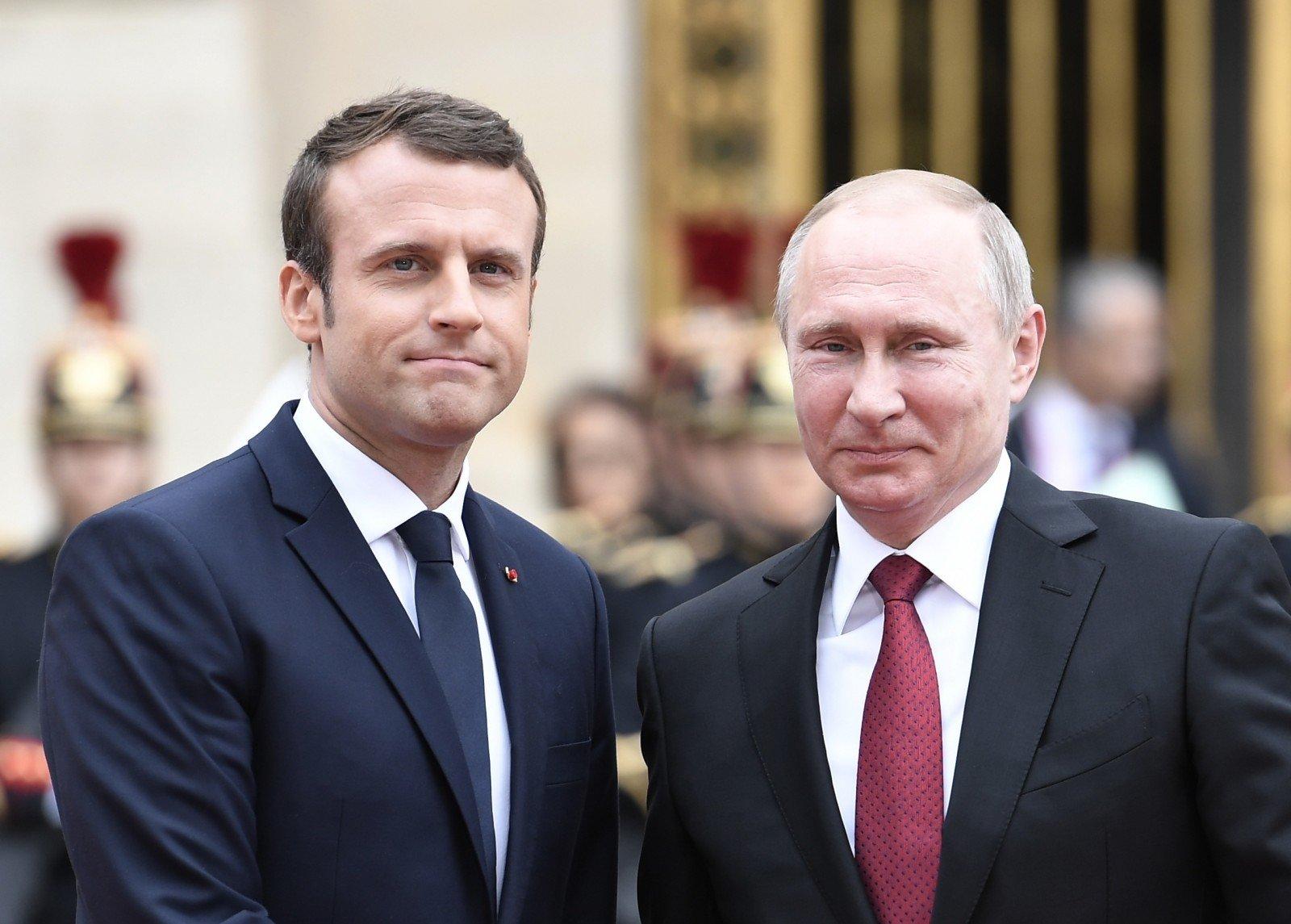 Путин и Макрон обсудили ситуацию в Сирии