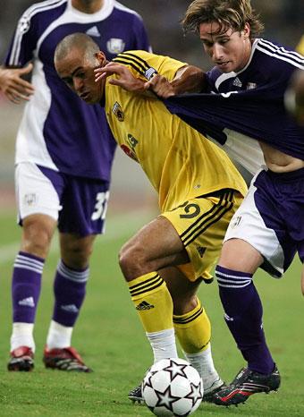 Julio Cesar (AEK, viduryje)