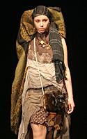 """Eglės Karlonaitės kolekcija """"Periferinis regėjimas"""". """"Krištolinė adata"""" 2007 m."""