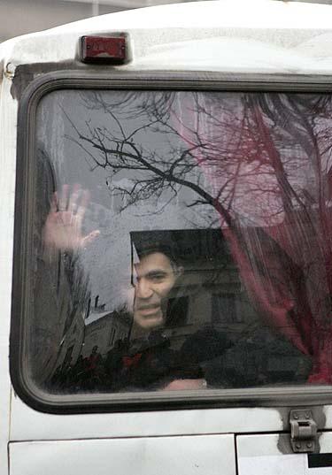 Garis Kasparovas milicijos mašinoje